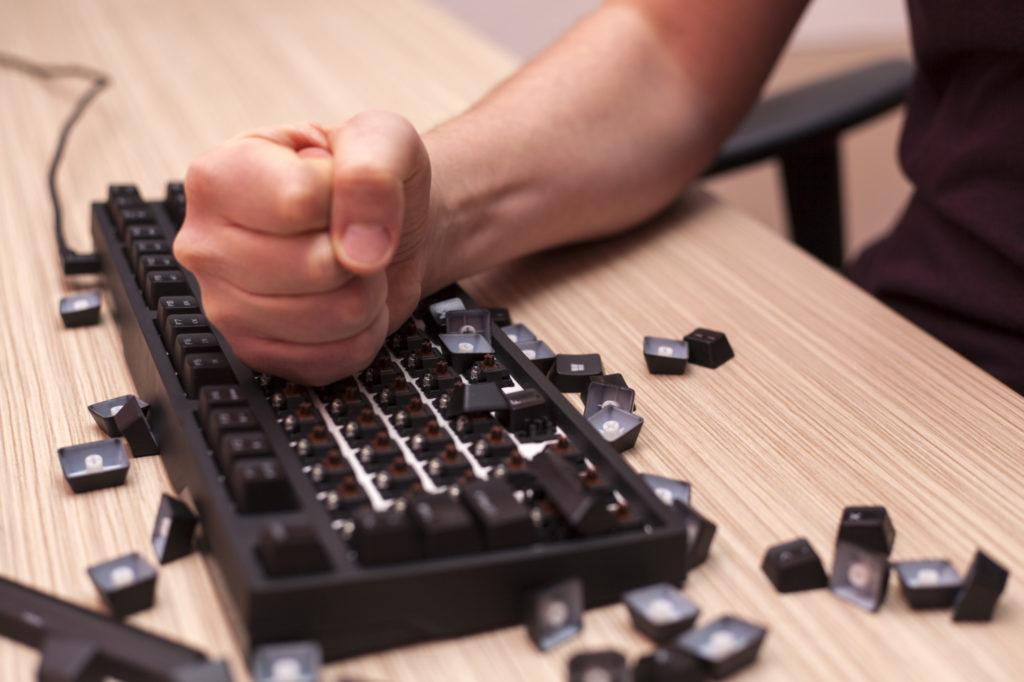 Сломанная клавиатура
