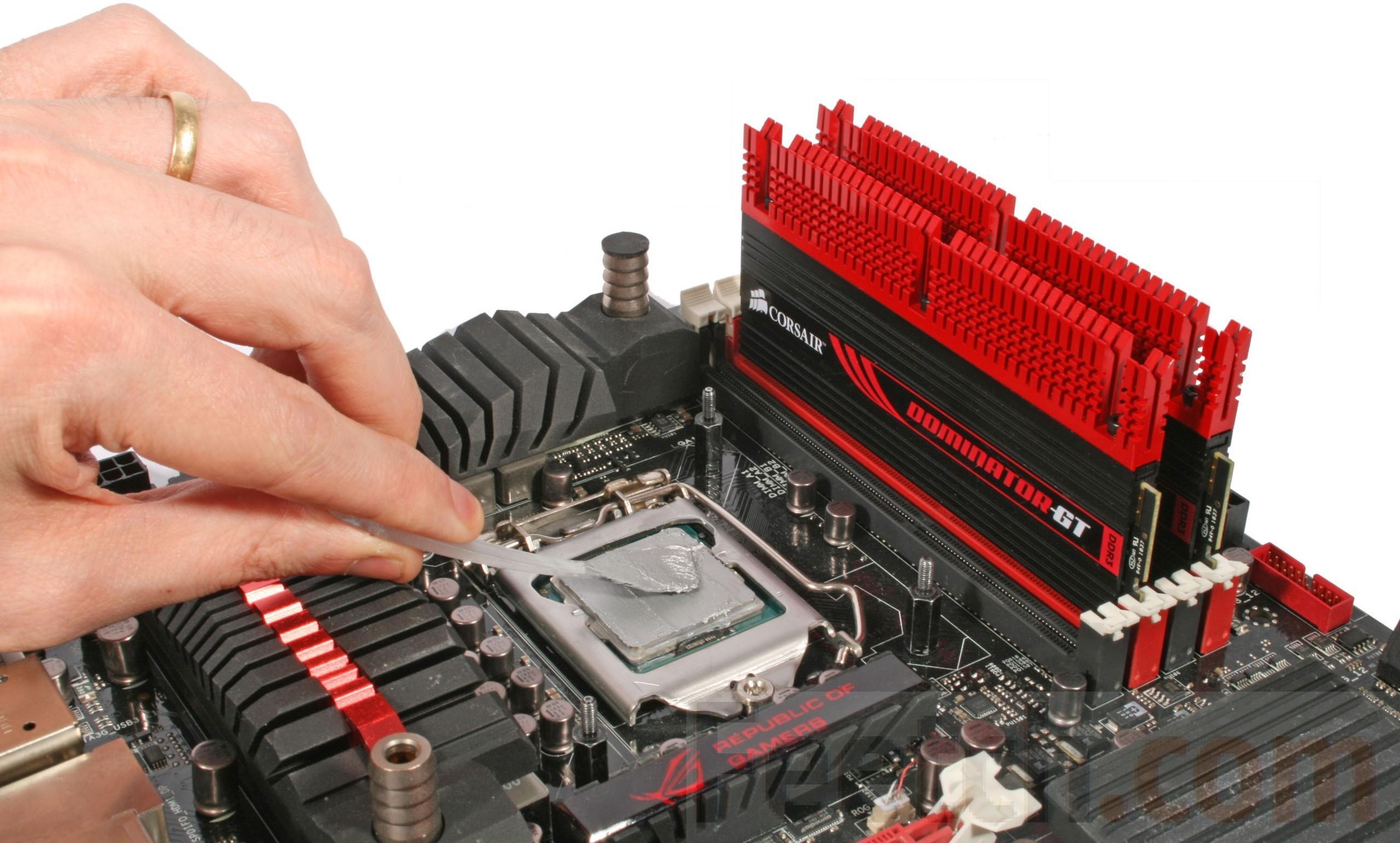 Наносим термопасту на процессор компьютера правильно