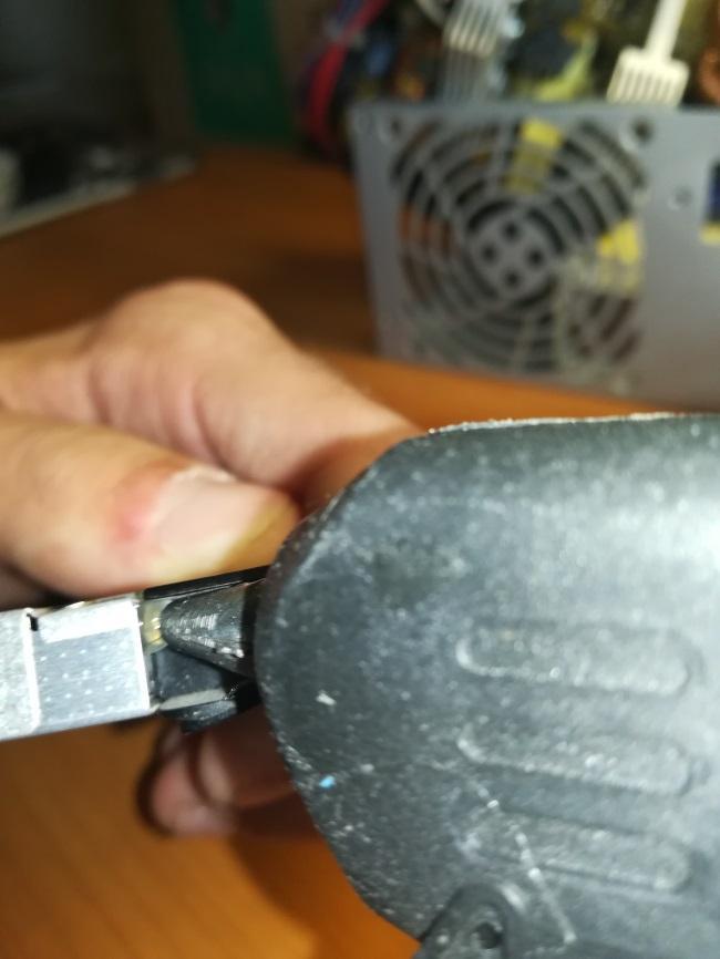 ремонтируем заглушку оптического привода