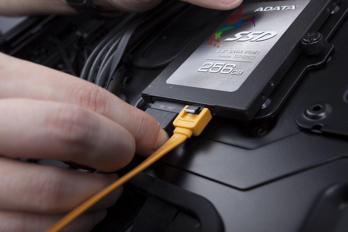Подключаем SSD диск к компьютеру