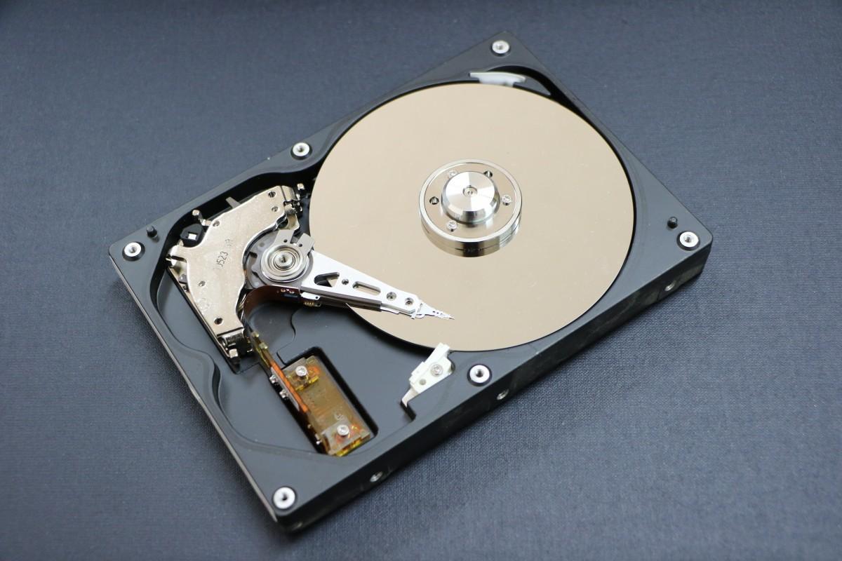 Из чего состоит жесткий диск компьютера