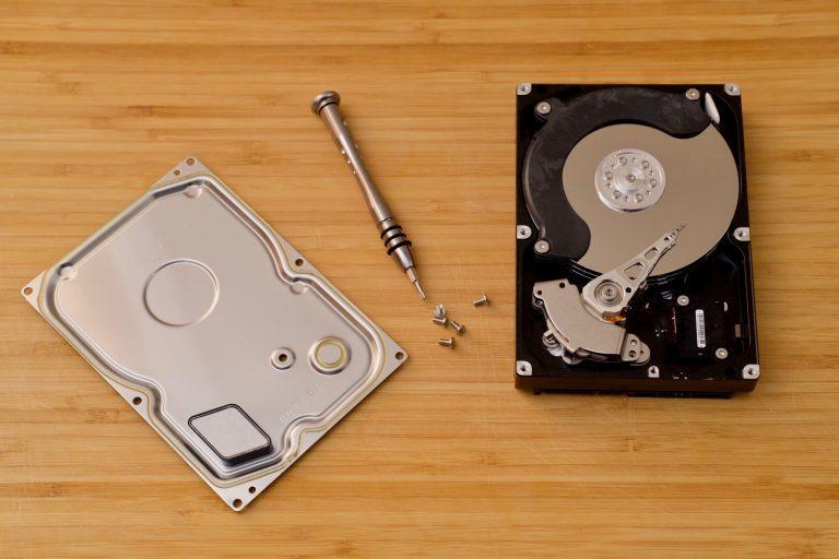 Внутренности жесткого диска HDD