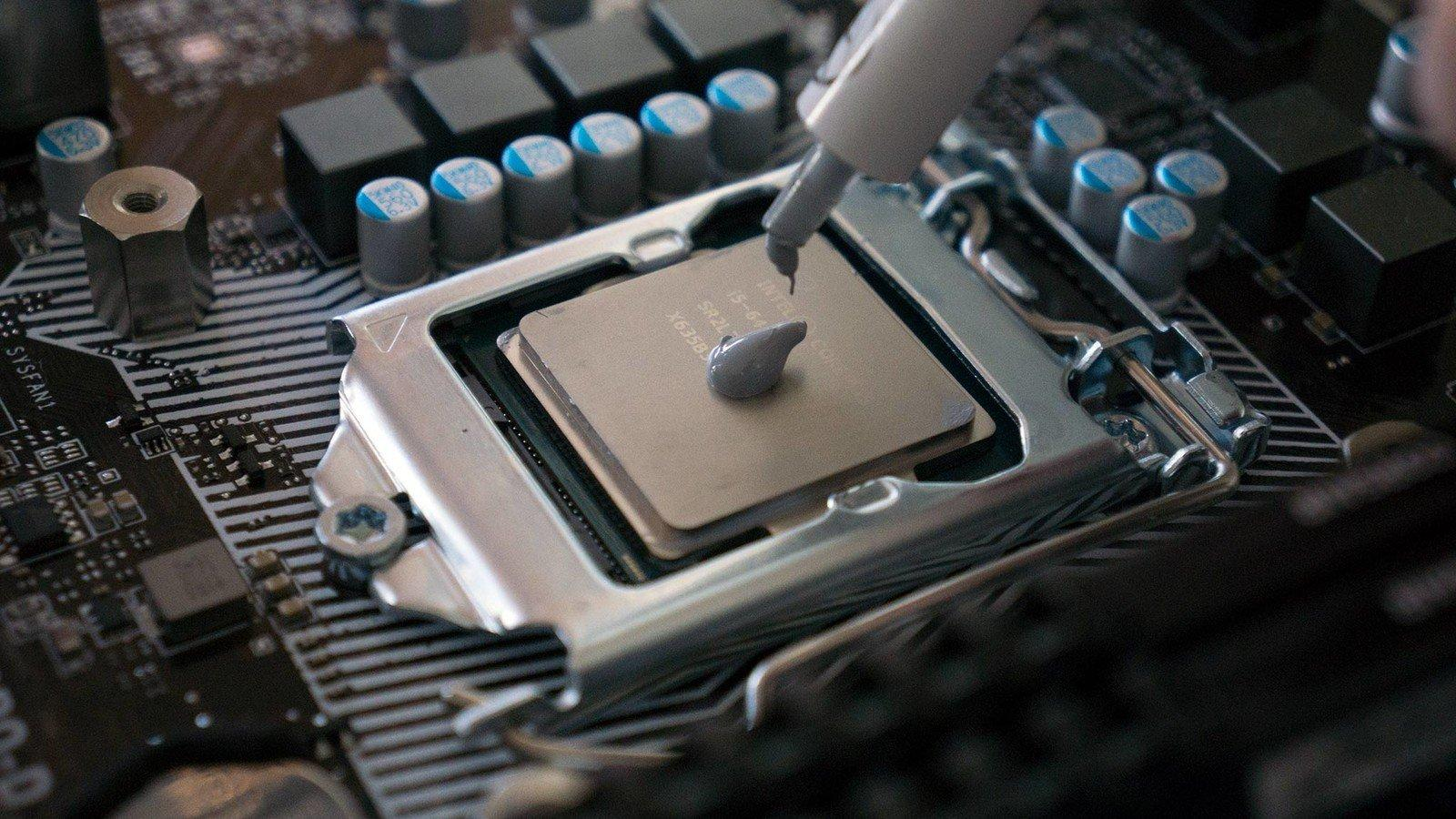 Термопаста на процессоре