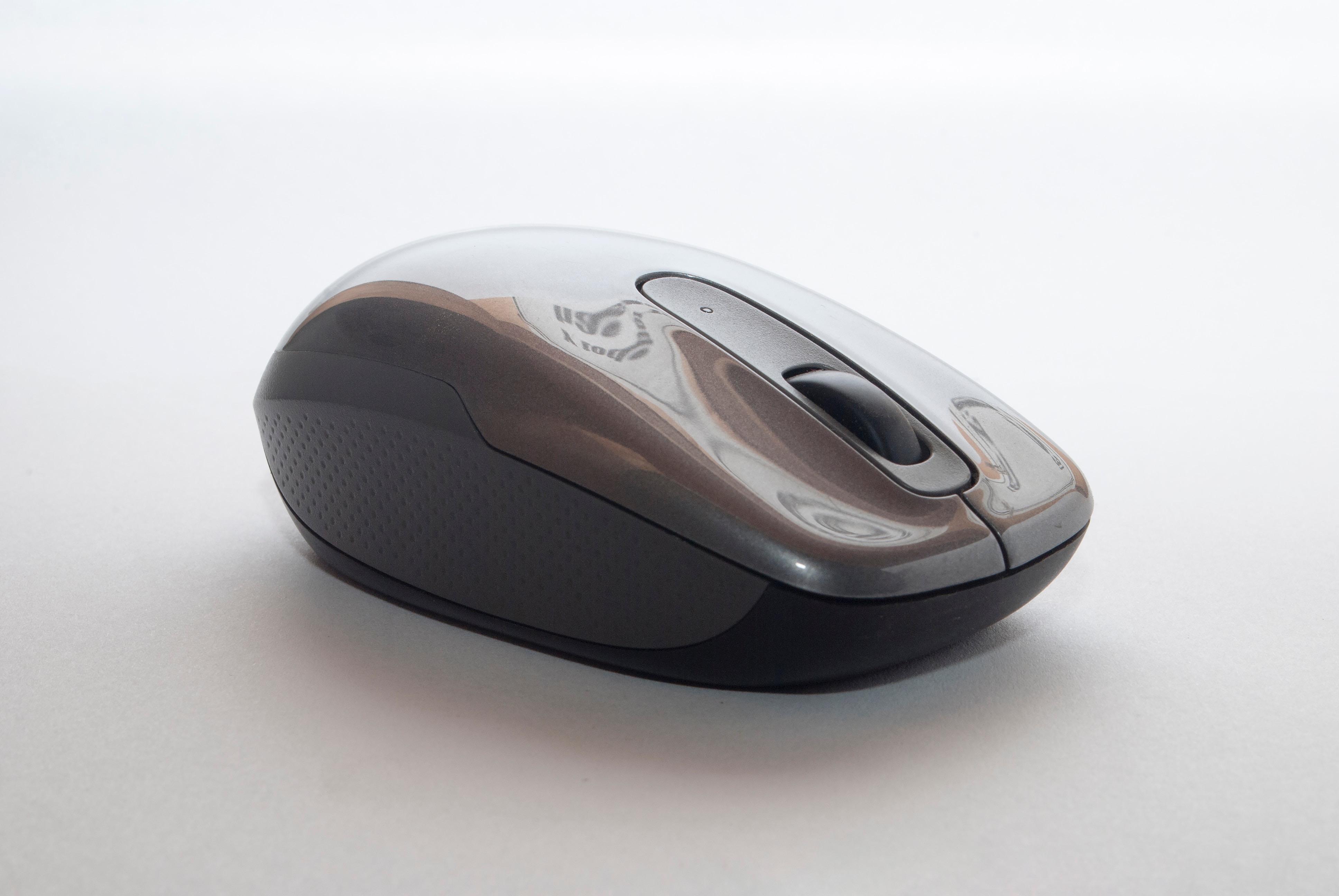 Не работает мышка на ноутбуке: причины и решения