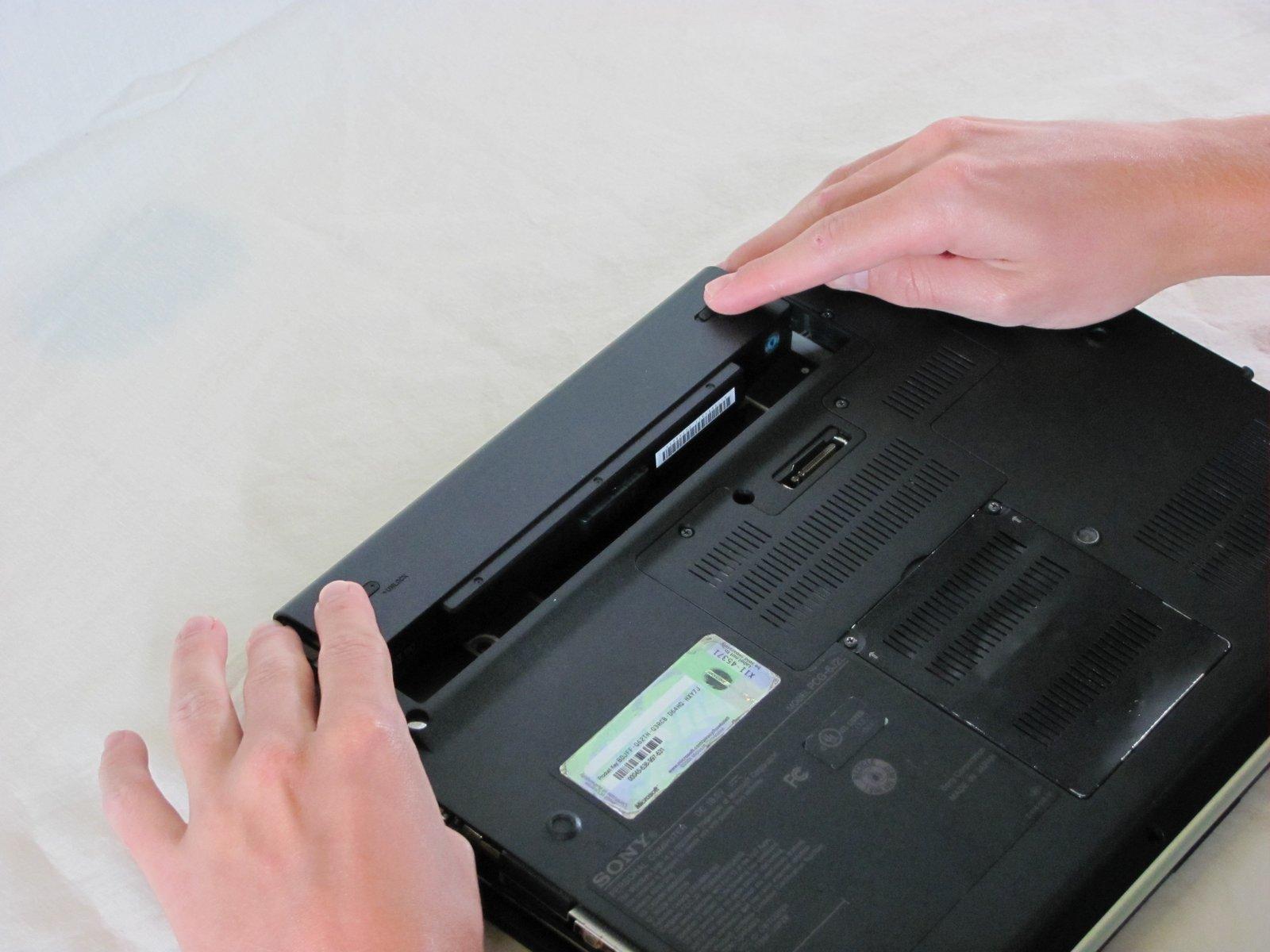 Съемный аккумулятор в ноутбуке