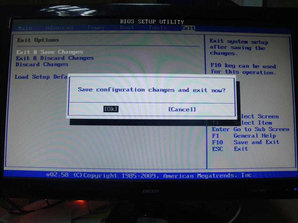 Сохранение конфигураций и выход из BIOS